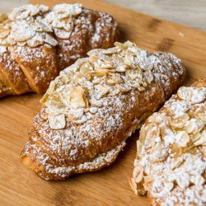 almond-croissant